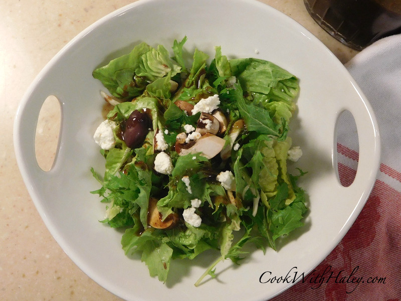 Deer Tongue Lettuce and Arugula Salad with Honey Balsamic Vinaigrette